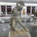 μαρμάρινο άγαλμα