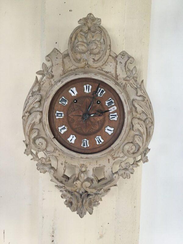 παλιό ξύλινο ρολόι
