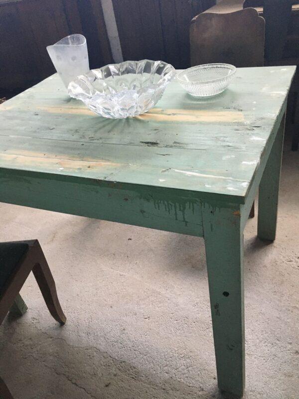 Παλιό ξύλινο τραπέζι κουζίνας, φαγητού