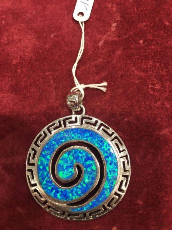 Μενταγιόν από ασήμι 925 με το αρχαίο ελληνικό σύμβολο της αιωνιότητας τη σπείρα και ορυκτή πέτρα όπαλ
