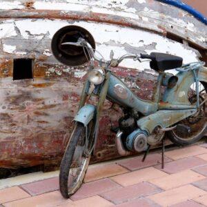 Παλιό αντίκα μηχανάκι vintage