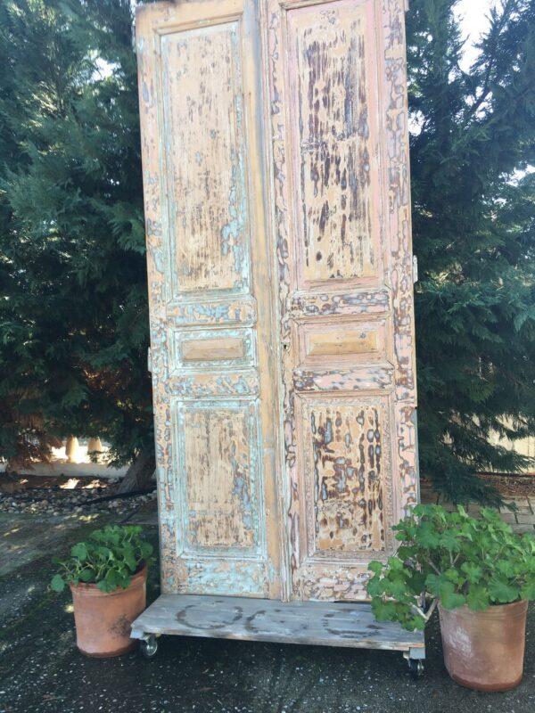 Παραβάν τροχήλατο έπιπλο από παλιές ελληνικές πόρτες του προηγούμενου αιώνα