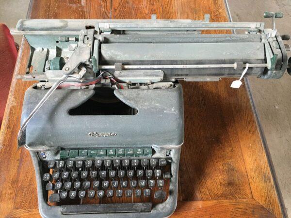 γραφομηχανή αντίκα